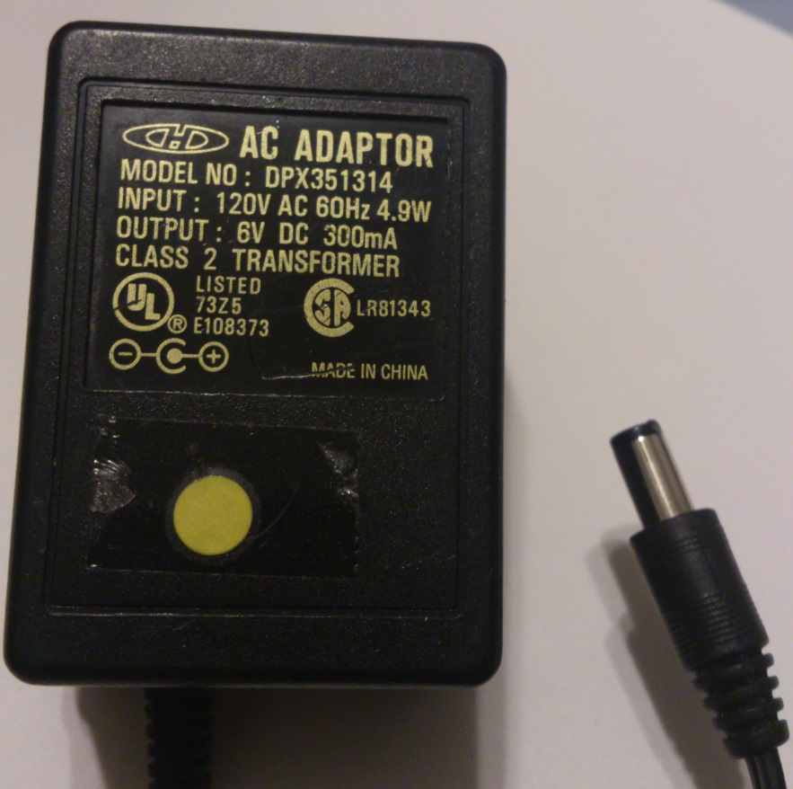 CHD DPX351314 AC ADAPTER 6VDC 300mA USED 2.5x5.5x10mm -(+)-